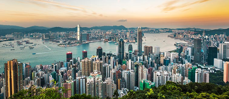 when to travel to hong kong